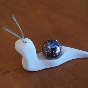 """Sculpture d'animaux : escargot """"Nanou"""" en argile réalisée par Artcor"""